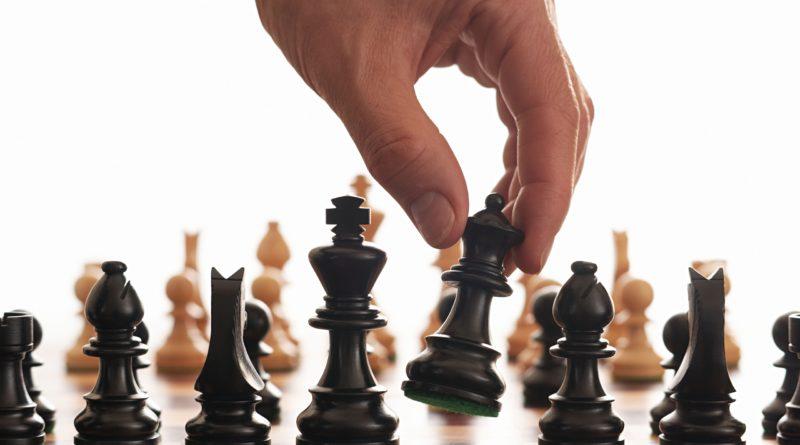 El ajedrez suple los materiales lúdicos